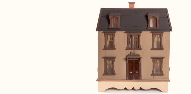 Victorian era dollhouse