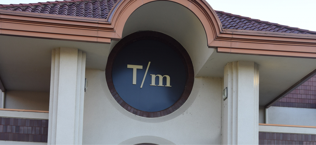 t/m store front